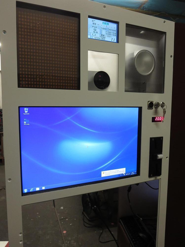 automatenfront_mit_kamera1