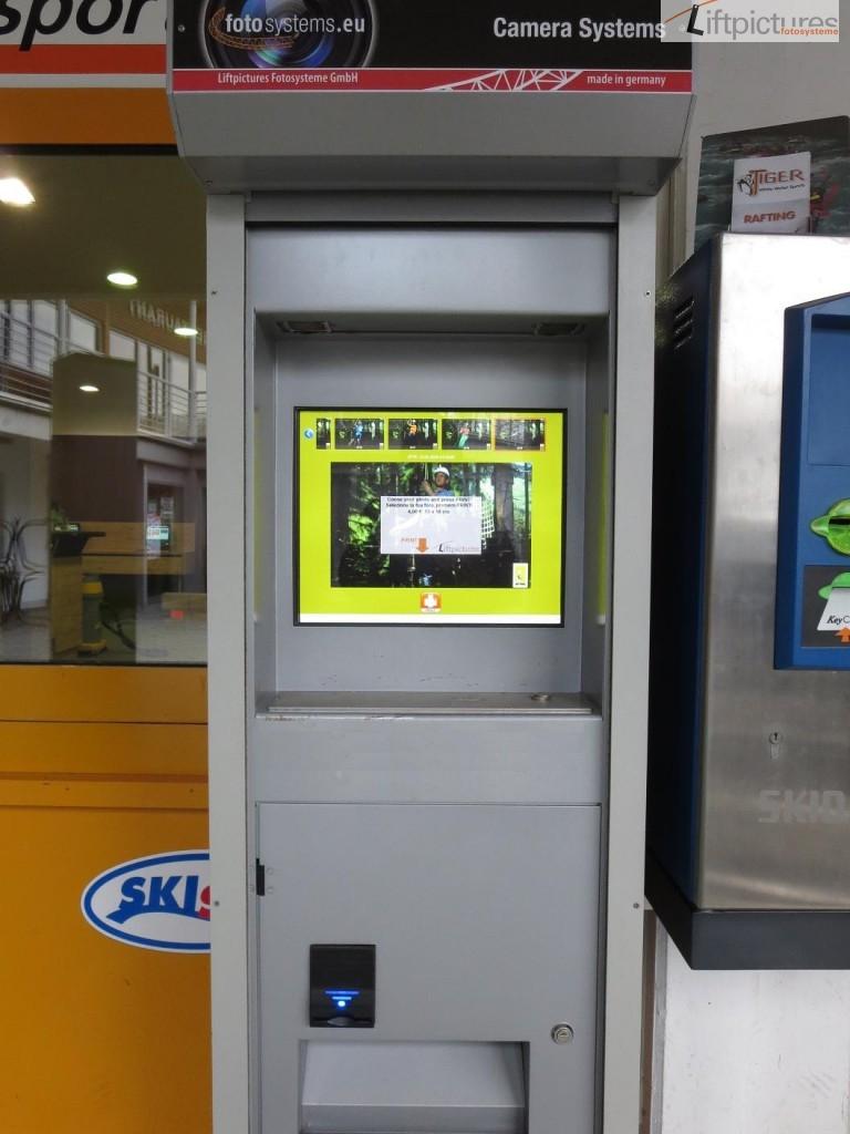 SB-Automat mit Münz- und Geldscheinwechlser
